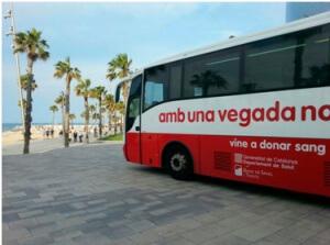 Autobús per a la campanya d'estiu